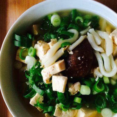 Konjaknudeln suppe udon